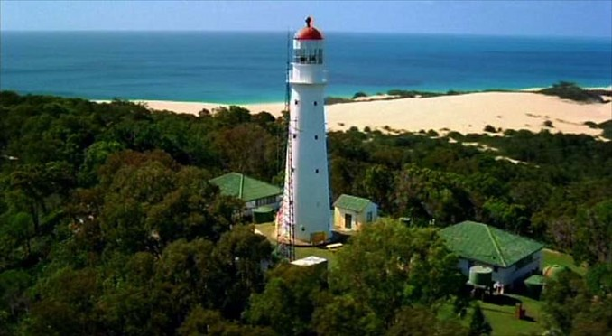 http://cloud.pleasetakemeto.com/photos/ims-australia/s/sandy-cape-lighthouse/gallery_678/sandy-cape-lighthouse-39195.jpg