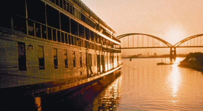 Image Courtesy of Illinois Office of Tourism and Delta Queen Steamboat Company