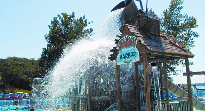 Image Courtesy of Illinois Office of Tourism and Raging Rivers Water Park